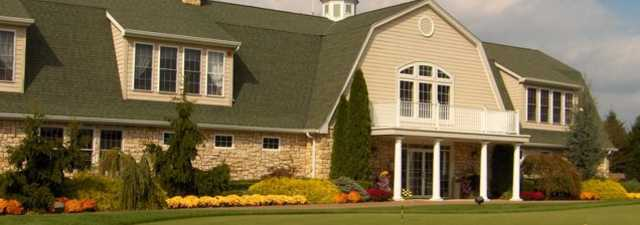 Colts Neck GC: clubhouse