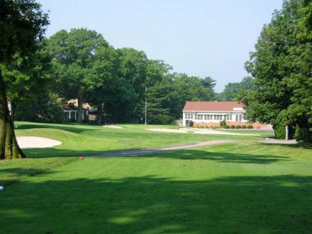 Metuchen Golf Country Club In Edison