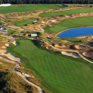 Twisted Dune GC: #18 & clubhouse
