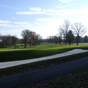Knoll West CC